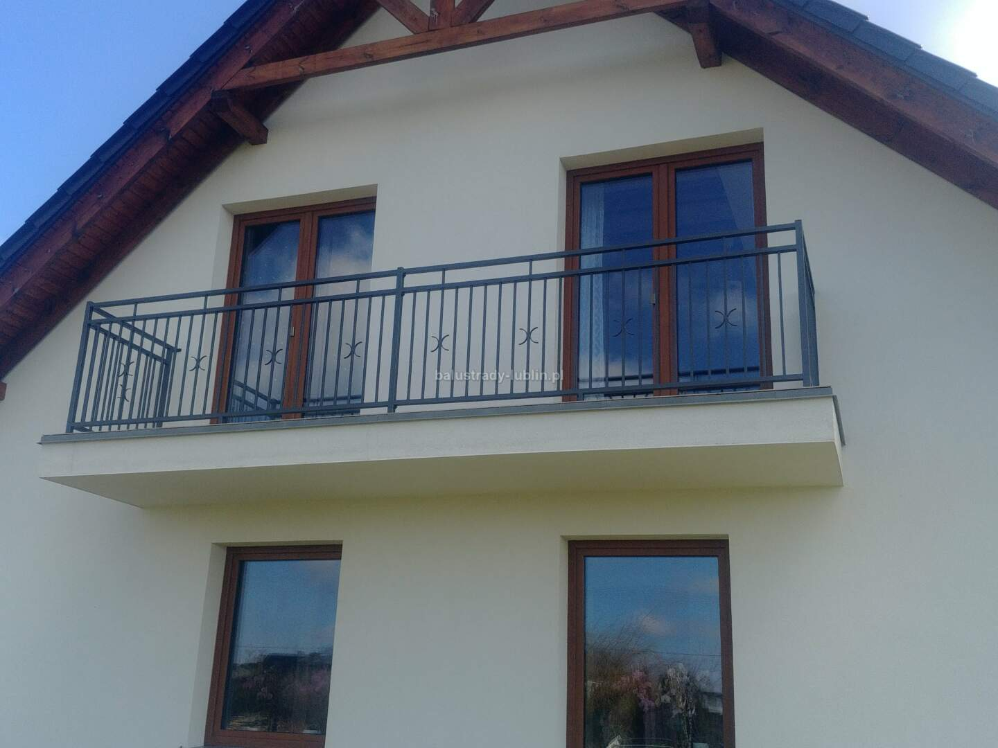 Tylko na zewnątrz balustrady-lublin.pl. Najtańsze w Polsce balustrady balkonowe MV78